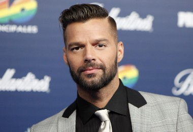 Ricky Martin poses during the photocall in '40 Principales Awards 2013' in Madrid, Spain, Thursday December 12, 2013. (AP Photo/Abraham Caro Marin)