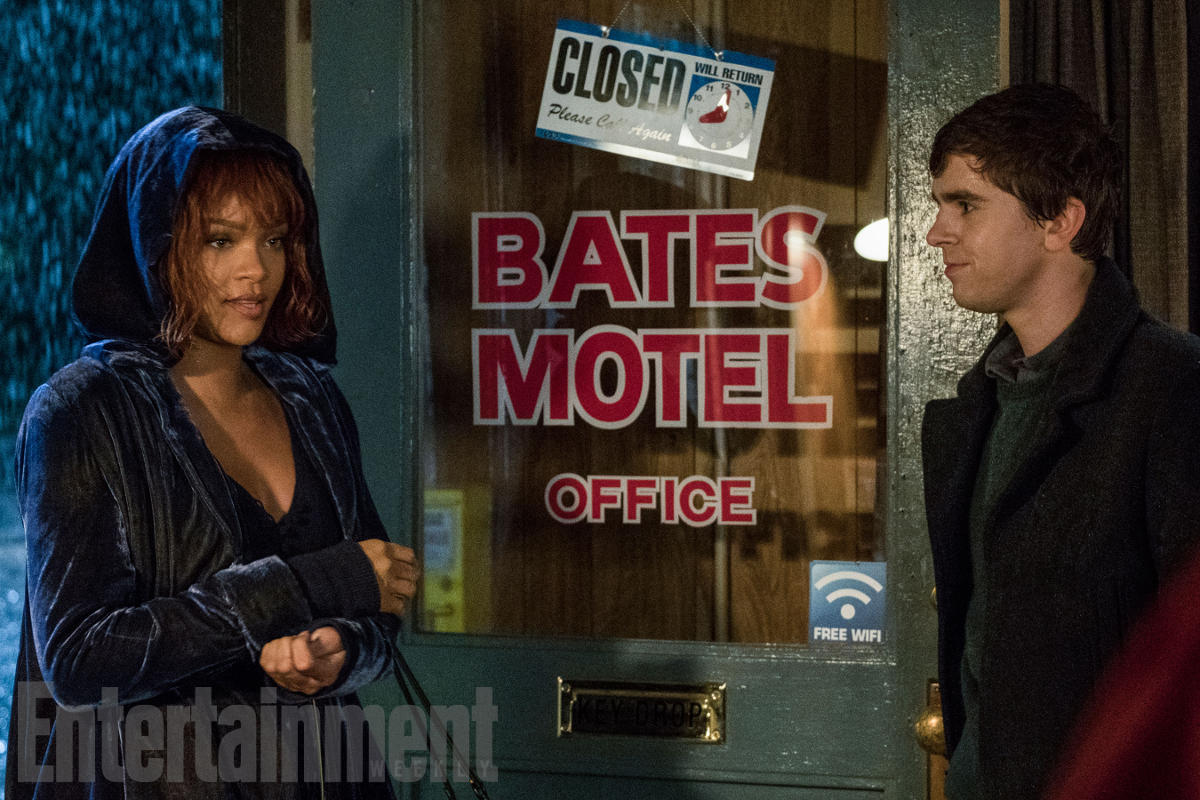 Bates-Motel-Rihanna-02