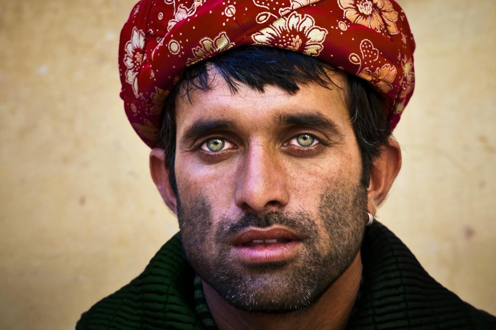 İngiltere Hükumeti Sürgün Edilmiş Gay Afganlara 'Heteroseksüel Gibi Davranın..!'