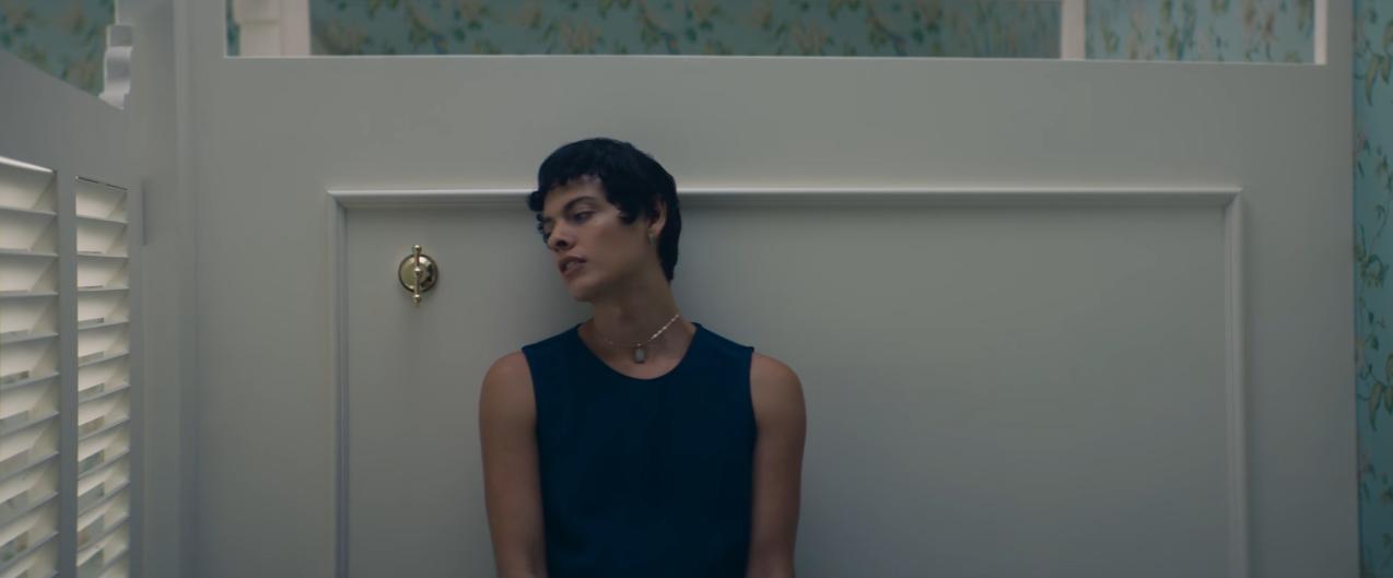 İzleyin: Deodorant Reklamı Trans Kadının Tuvalette Yaşadığı Stresi Anlatıyor