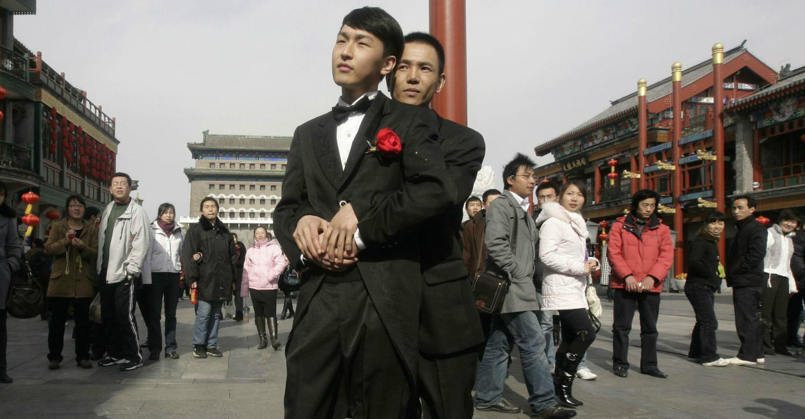 Eşcinsel Çiftler Artık Tokyo'daki Tapınakta Beraber Gömülebilecekler