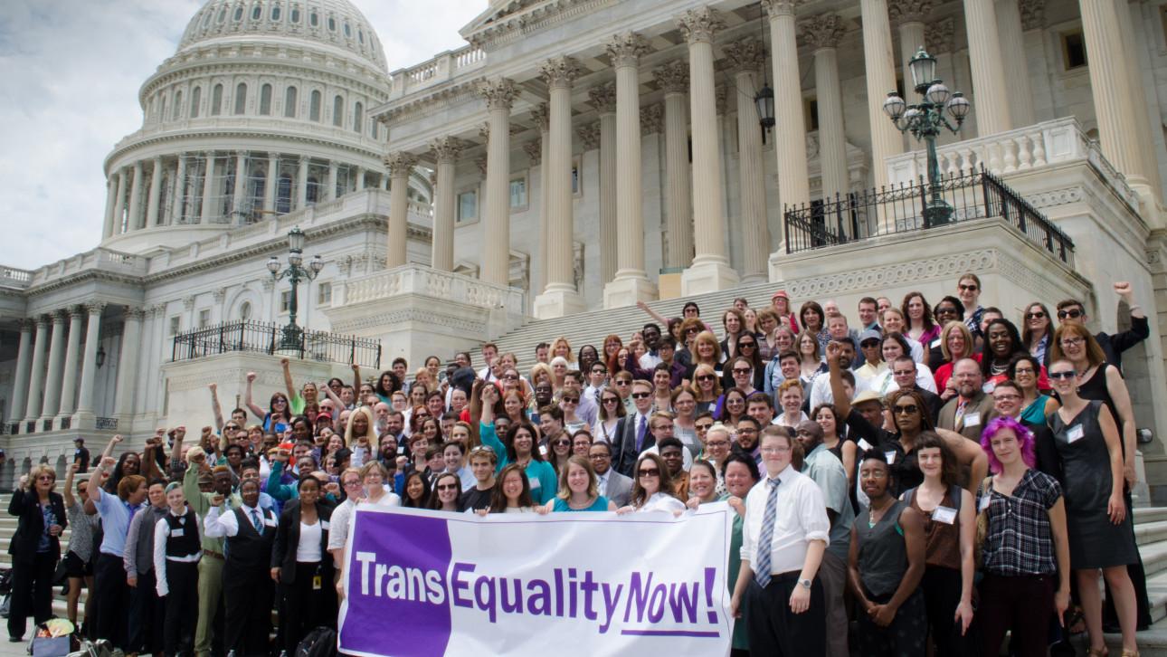 Yasa Değişimi Ardından Yüzlerce New York'lu Trans Cinsel Kimliğini Değiştirdi