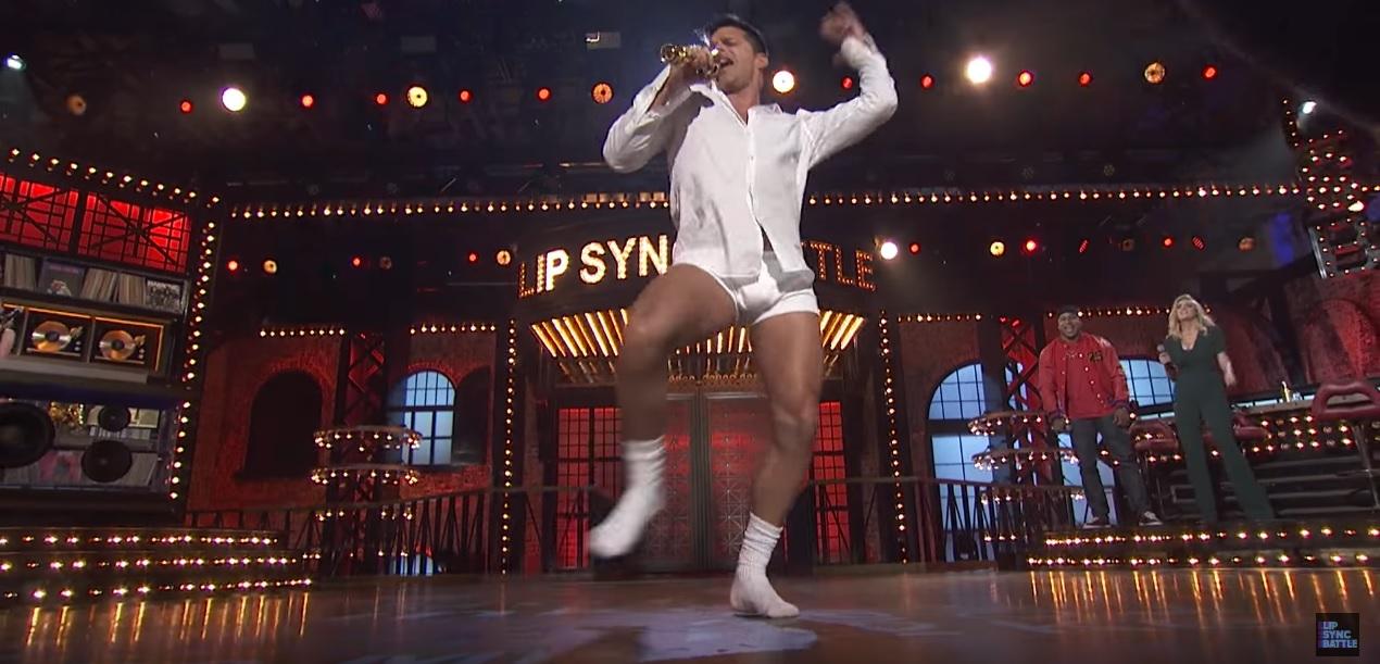İzleyin: Ricky Martin'in 'Lip Sync Battle' Performansını Kaçırmayın!