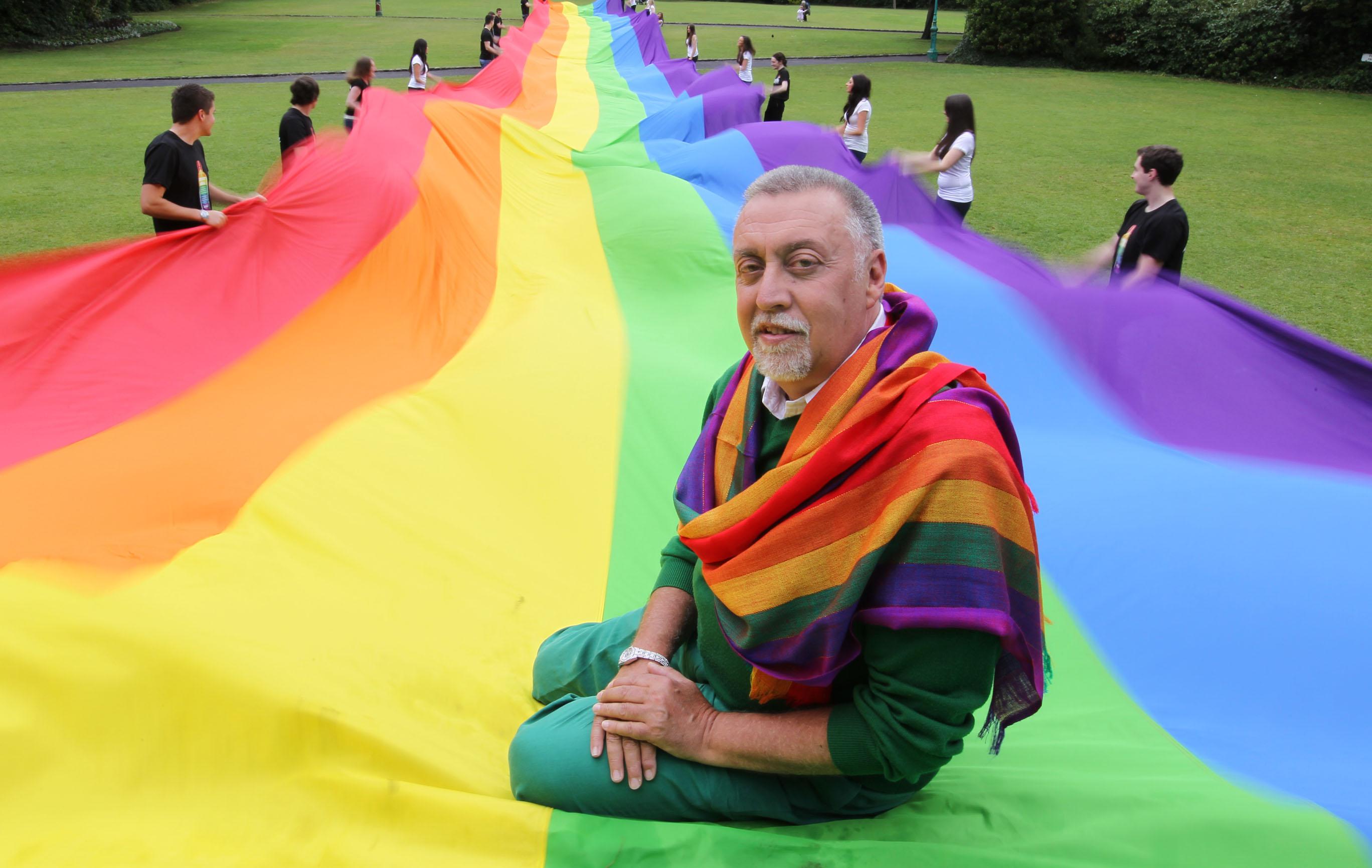 Gökkuşağı Bayrağının Yaratıcısı Gilbert Baker 65 Yaşında Öldü