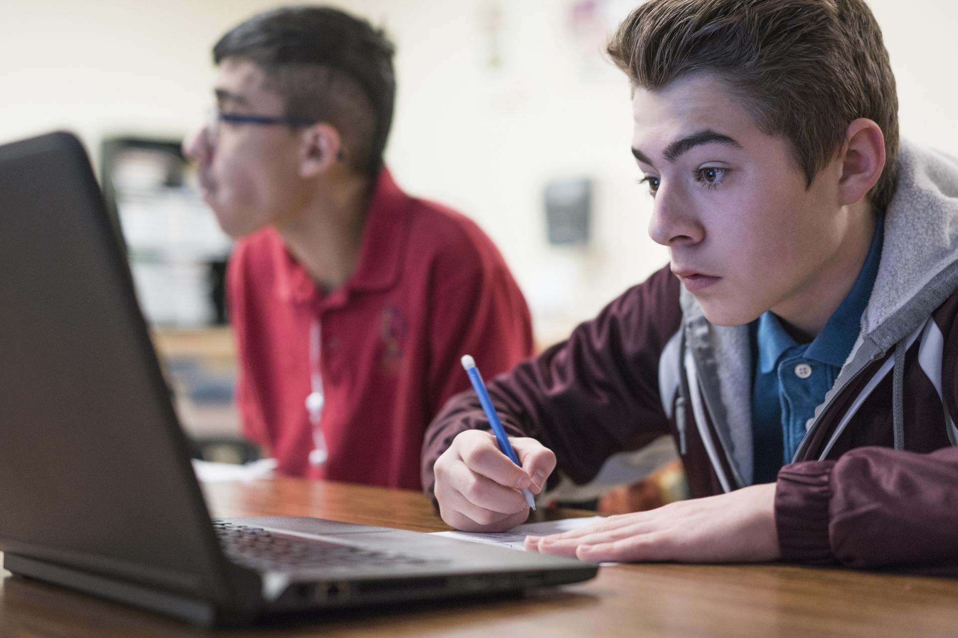 Öğretmenden Çocuklara Şok Soru Müslüman ve Eşcinsellerin Yanında 'Rahat' Mısınız?!