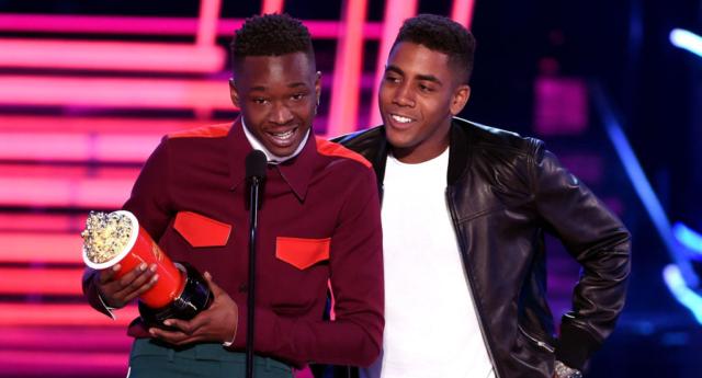 İzleyin: Yılın En İyi Öpüşme Ödülü Moonlight'ın Eşcinsel Çiftine Gitti