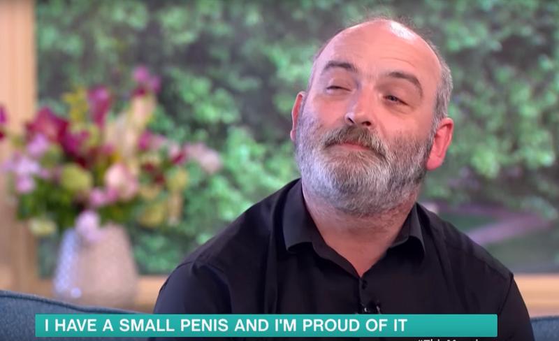 Dünyanın En Küçük Penisine Sahip Erkekten Özgüven Konuşması