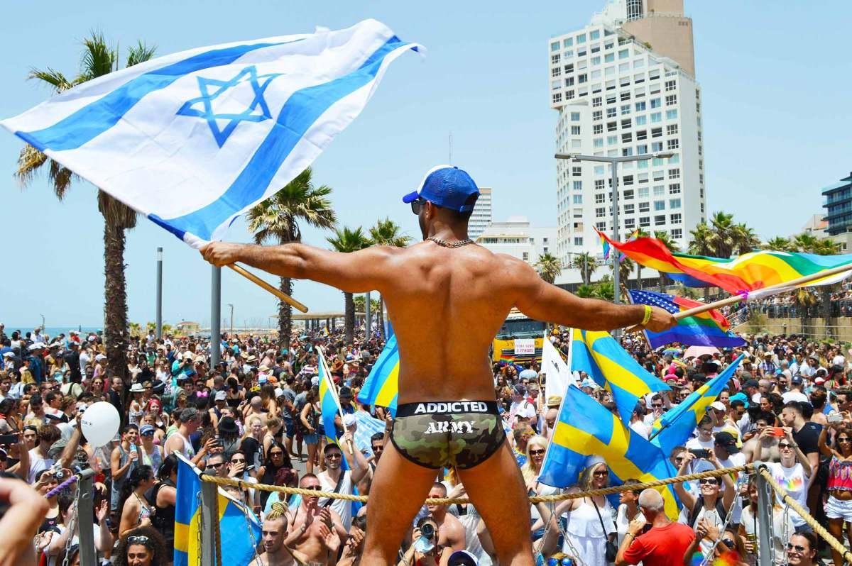 Dünyanın İlk Biseksüel Onur Yürüyüşü 200 Bin Kişiyle Gerçekleşecek!