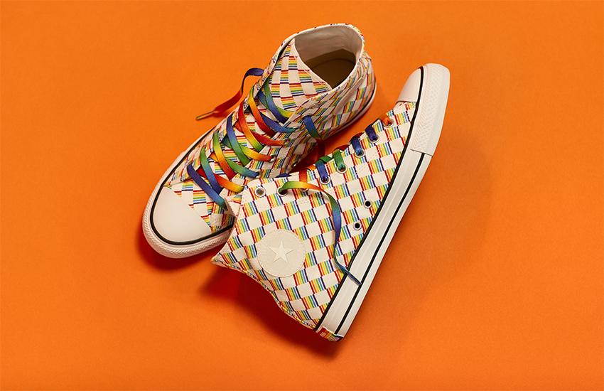 Yeni Rengarenk Converse'ler Onur Haftası Modasının Yıldızı!