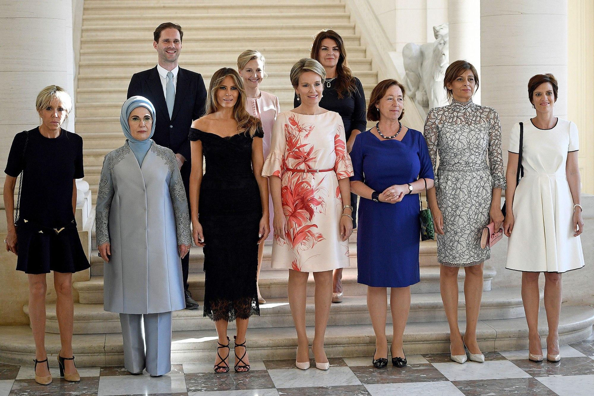 NATO Zirvesinin En Güzel Karesi! Eşcinsel Başbakanın Eşi Olması Gereken Yerde!