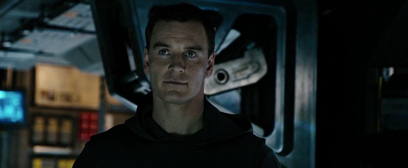 """Çin """"Alien: Covenant"""" Filmindeki Gay Öpüşme Sahnesini Sansürledi!"""