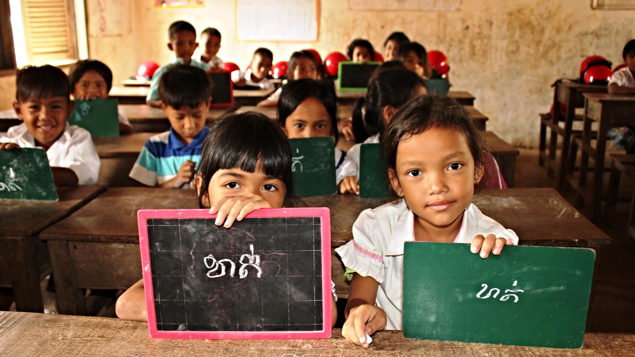 Kamboçyalı Öğrenciler LGBT Hayat Tarzlarını Öğrenecek