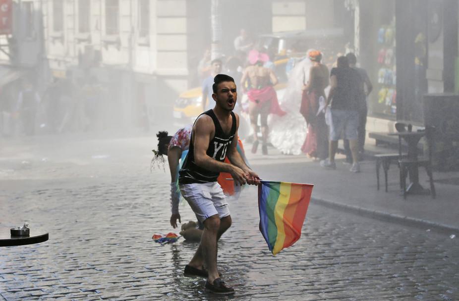 Türkiye'de Uygulanan 'HOMOFOBİ PR'ı