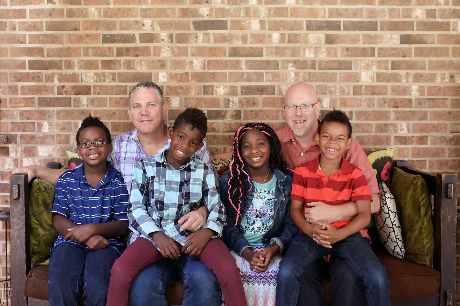 Ellen DeGeneres, Altın Kalpli Bu İki Gay Babaya Büyük Bir Sürpriz Yaptı!