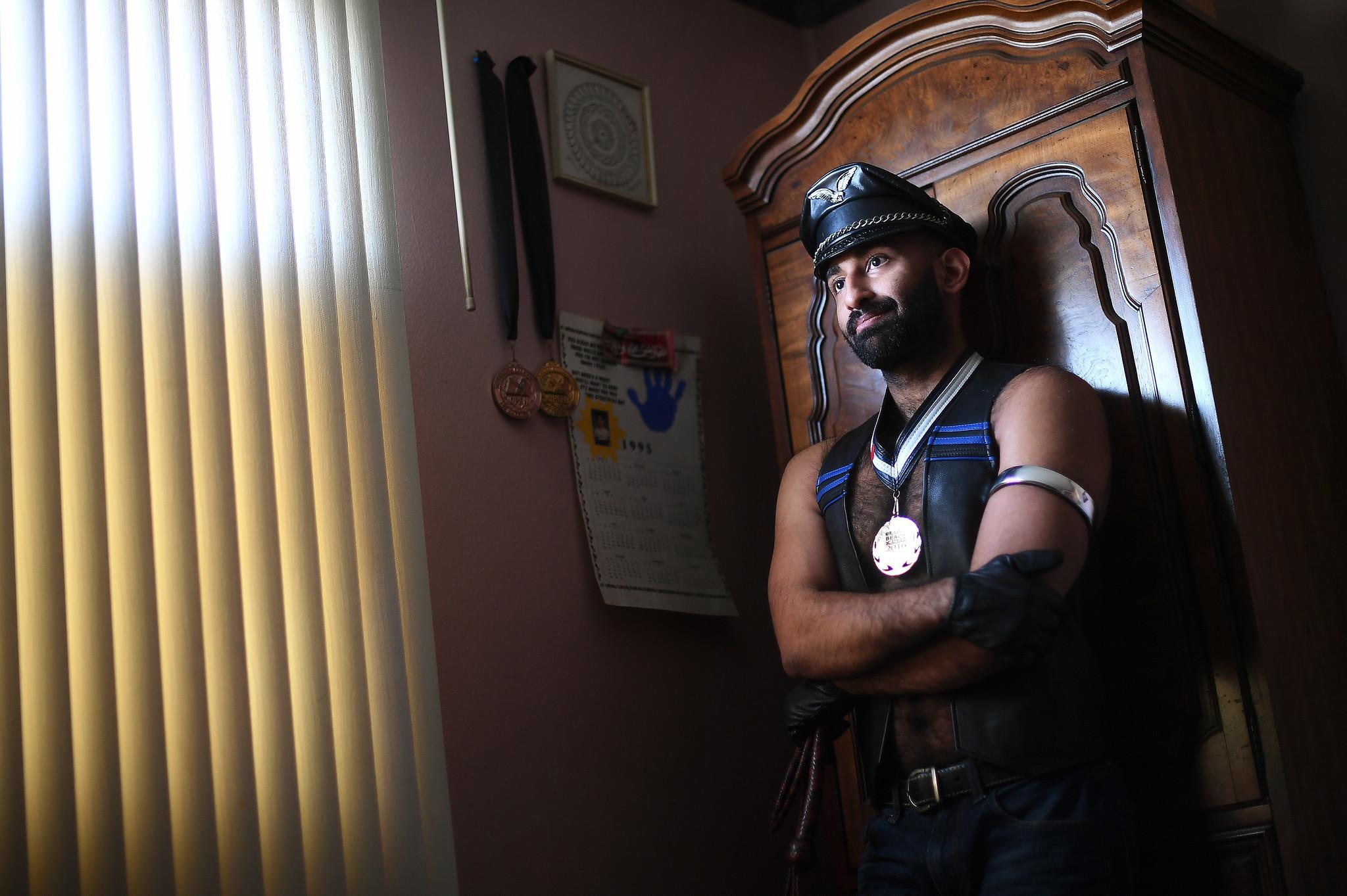 Ali Mushtaq Mr. Leather Yarışmasını Kazanan İlk Müslüman Erkek Oldu