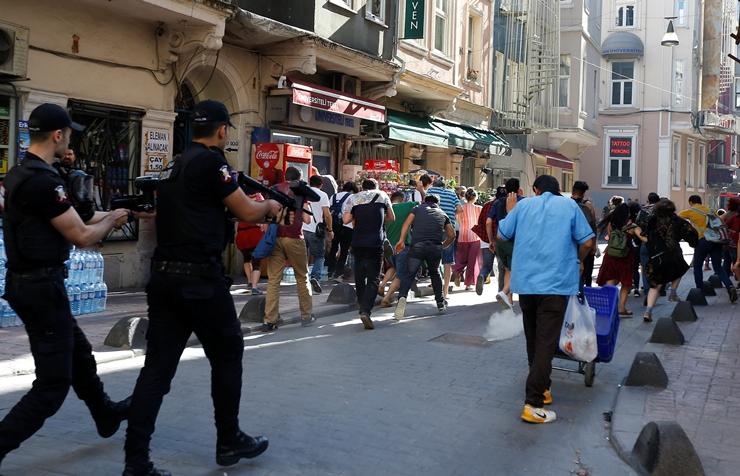 Reuters Gözünden 25. İstanbul Onur Yürüyüşü!