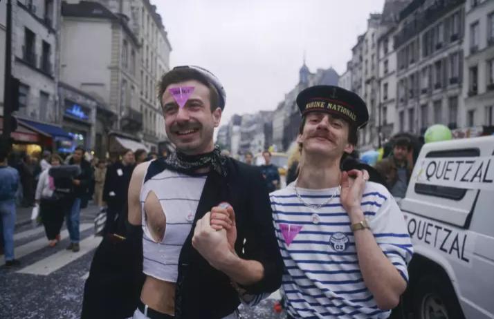 34 Yıl Boyunca (1982-2016) Paris Onur Yürüyüşü'nde Yaşanan Hikayeler