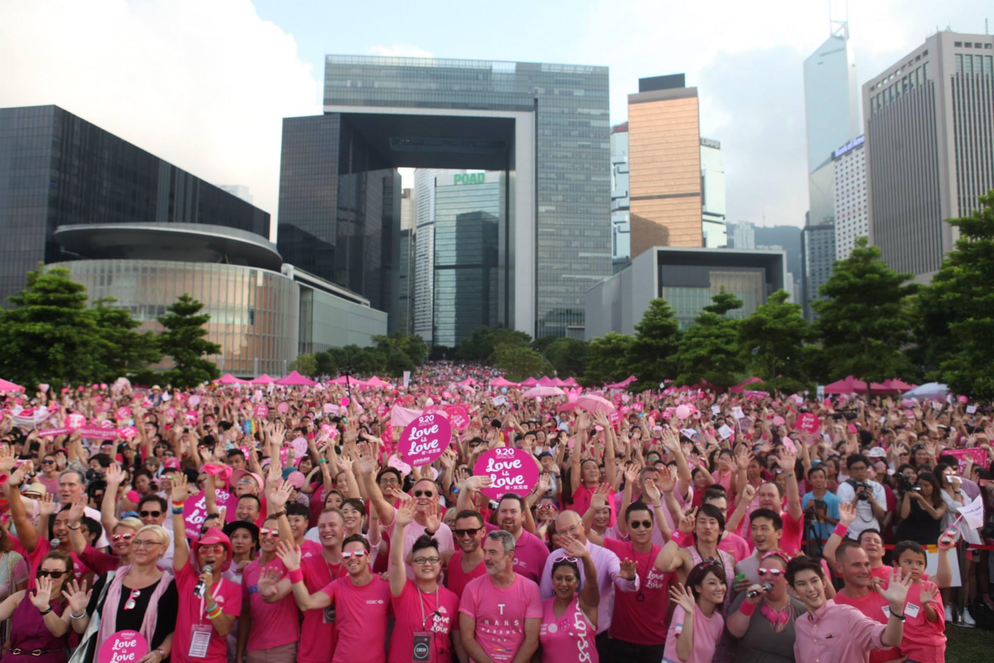 Singapur Hükümetinin Engellemelerine Rağmen 20.000 Kişi Yürüdü!