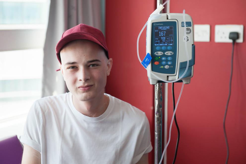 İzleyin: Onur Yürüyüşünde Kanser Hastası Gence Unutamayacağı Sürpriz!