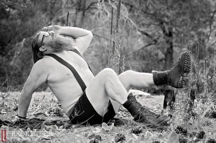 Galeri: Sakallı Erkeklerin Yer Aldığı Kışkırtıcı Takvim