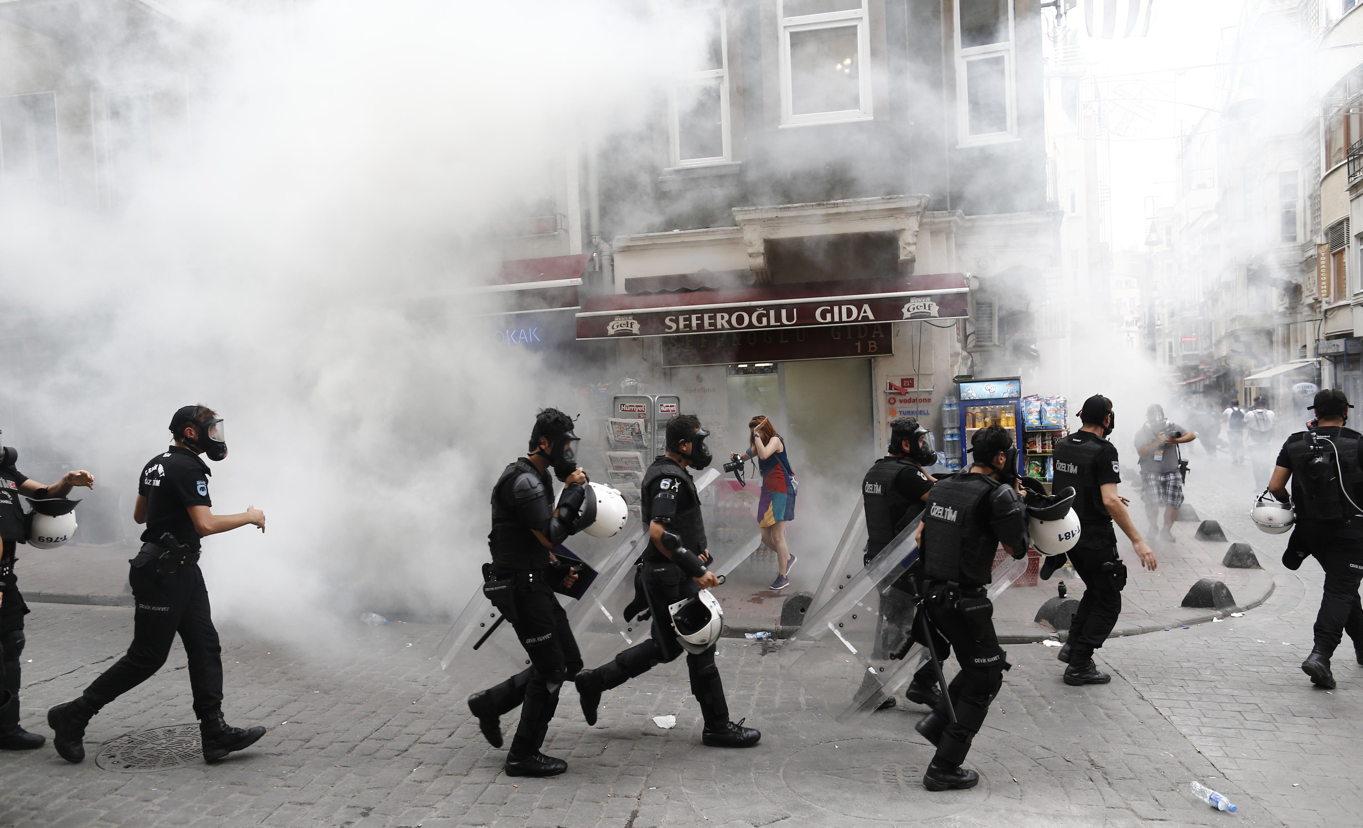 Birleşik Krallık İstanbul Onur Yürüyüşündeki Polis Şiddetini Kınamayacak!