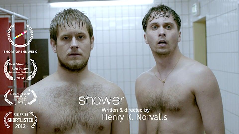 İzleyin: Kısa Film 'Shower' İki Erkek Arasındaki Bastırılmış Cinselliği Anlatıyor