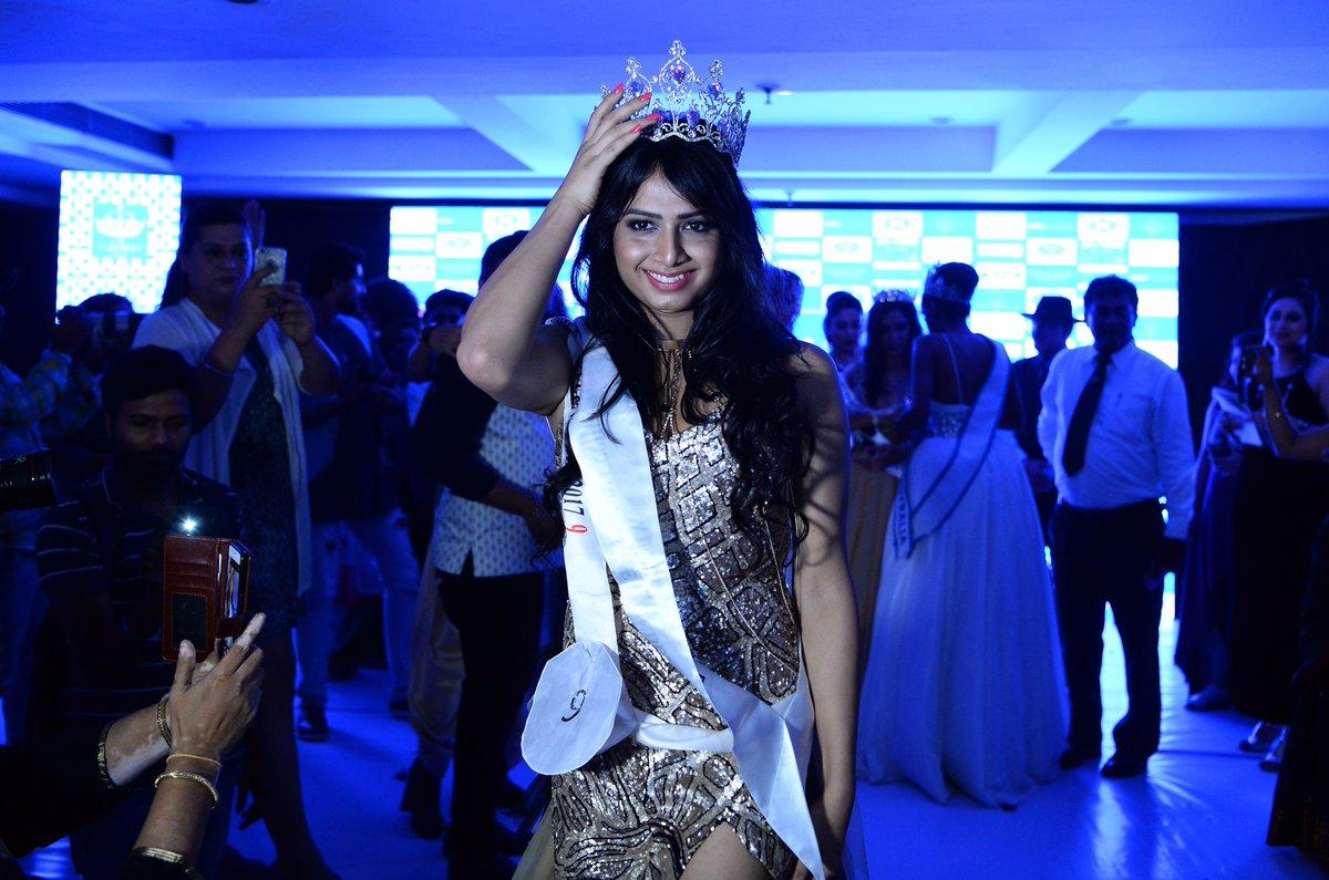 Hindistan'ın İlk Transseksüel Güzellik Kraliçesiyle Tanışın