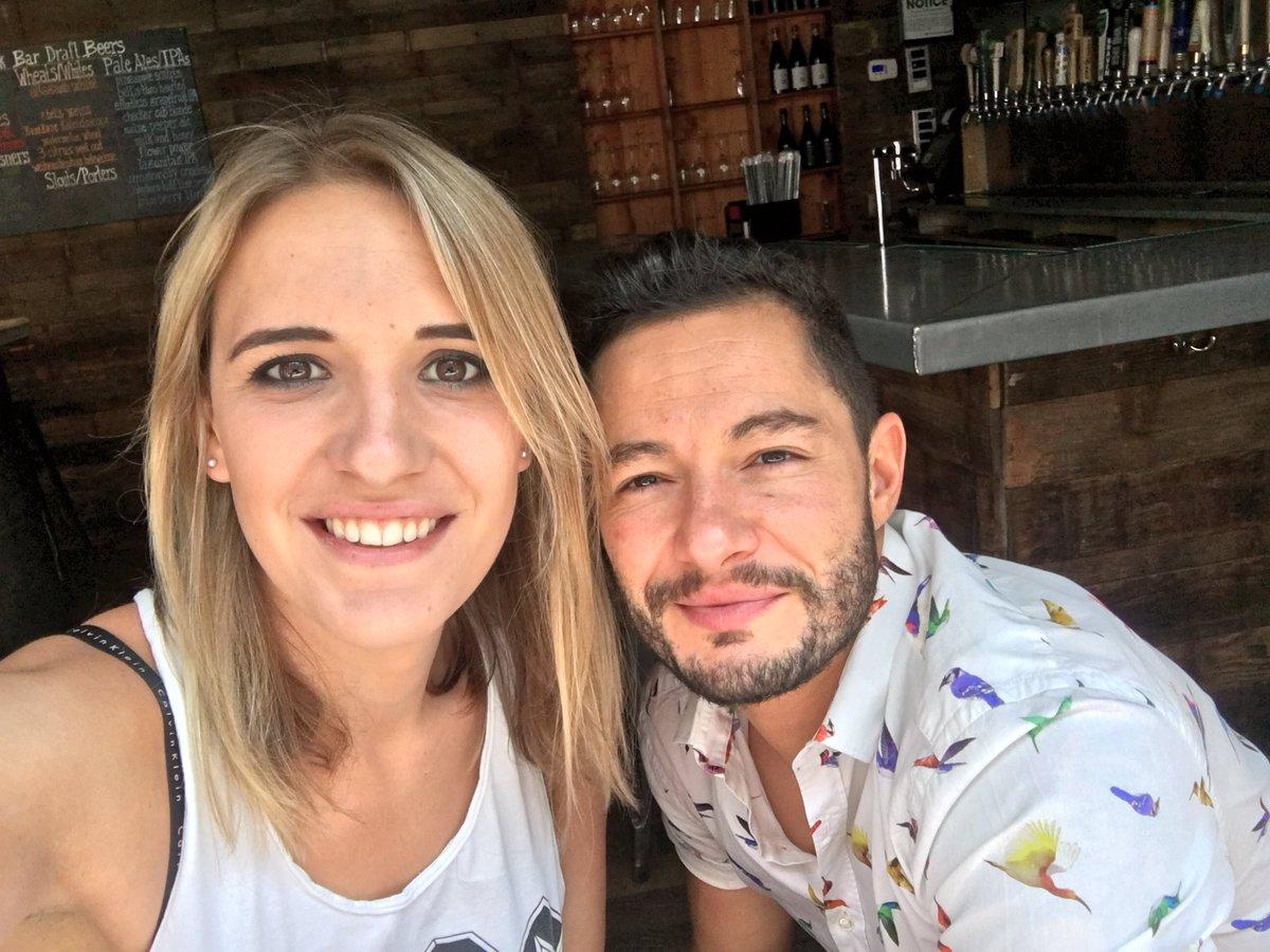 İzleyin: Nişanlandıklarını Açıklayan Transseksüel Çift, Aile Olma Hayali Kuruyor
