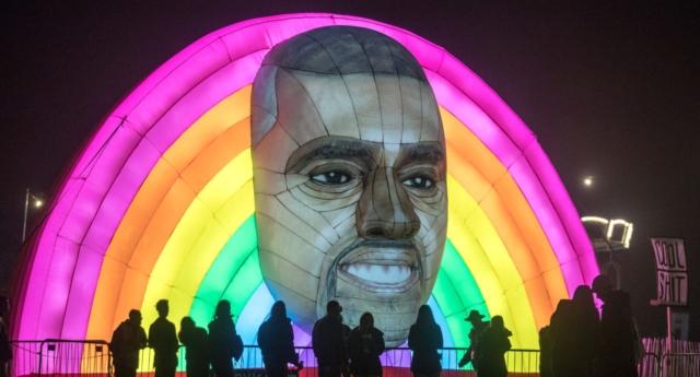Kanye West, Yeni South Park Oyununda Eşcinsel Bir Balığı Oynuyor!