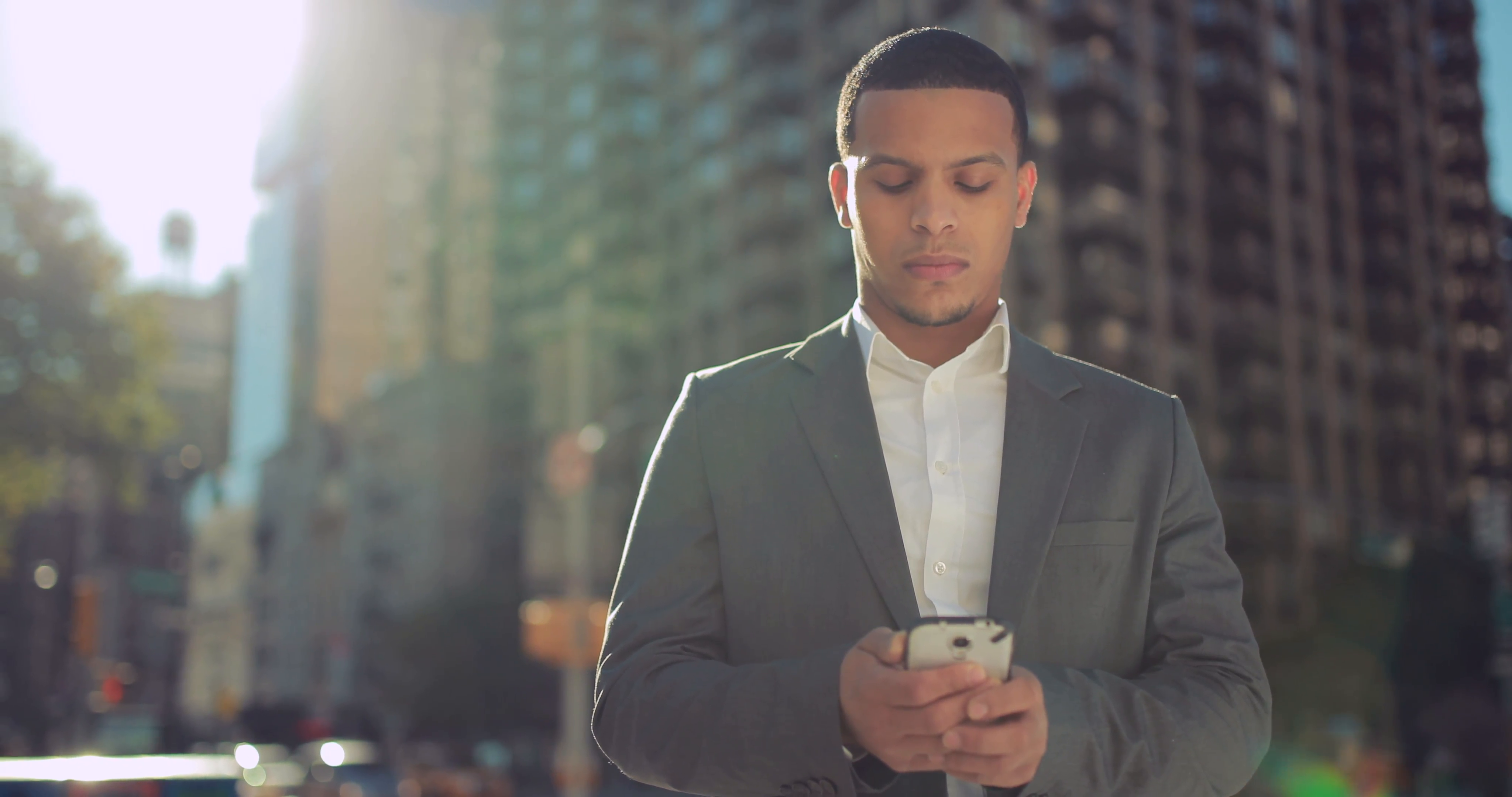 8 Maddede Eşcinsel Erkekler İçin Mesajlaşma Rehberi