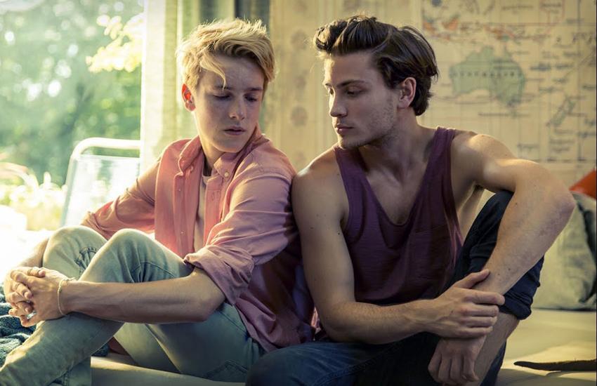 Center of My World'ün; 2017'nin En Tatlı, En Seksi Gay Filmi Olduğunu Gösteren 5 Neden!