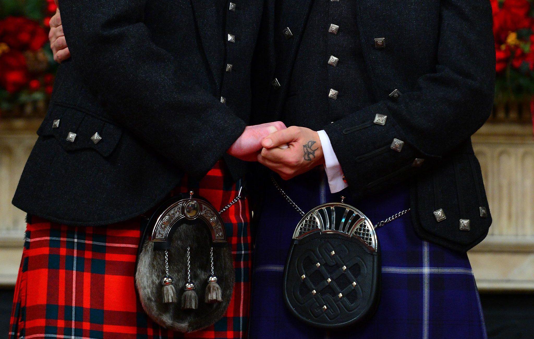 Eşcinsel Erkeklere İskoçya Hükümeti'nden Resmi Özür!
