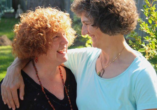 Avustralyalı Lezbiyen Çift, 44 Yıllık Beraberliğin Ardından Evleniyor!