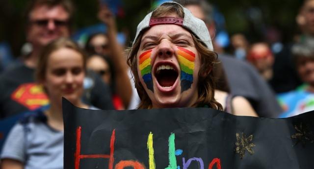 """Son Anket: Avustralya'nın Eşcinsel Evlilik Oylamasından Büyük Bir """"Evet"""" Çıkacak!"""