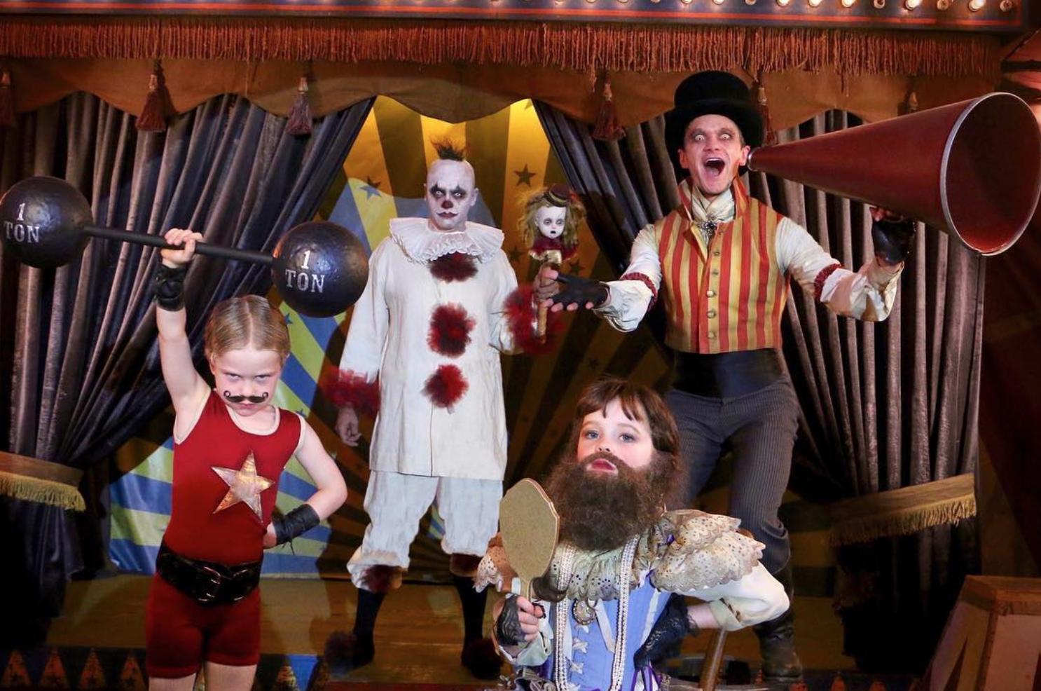 Ünlü Eşcinsel Babalar ve Çocuklarının Cadılar Bayramı Kostümleri!