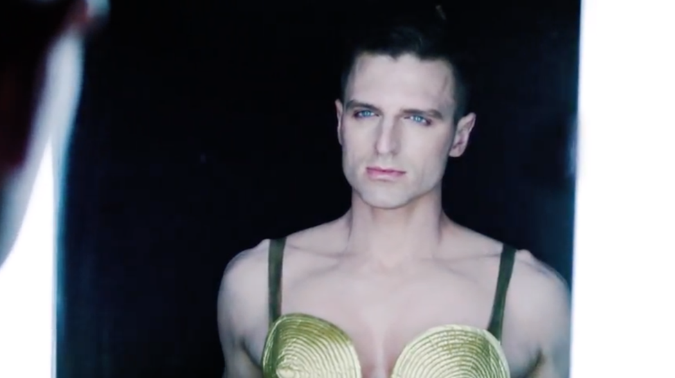 İzleyin: Drag Race Yıldızı Milk, Madonna'nın Cilt Bakımı Ürünlerinin Yeni Yüzü