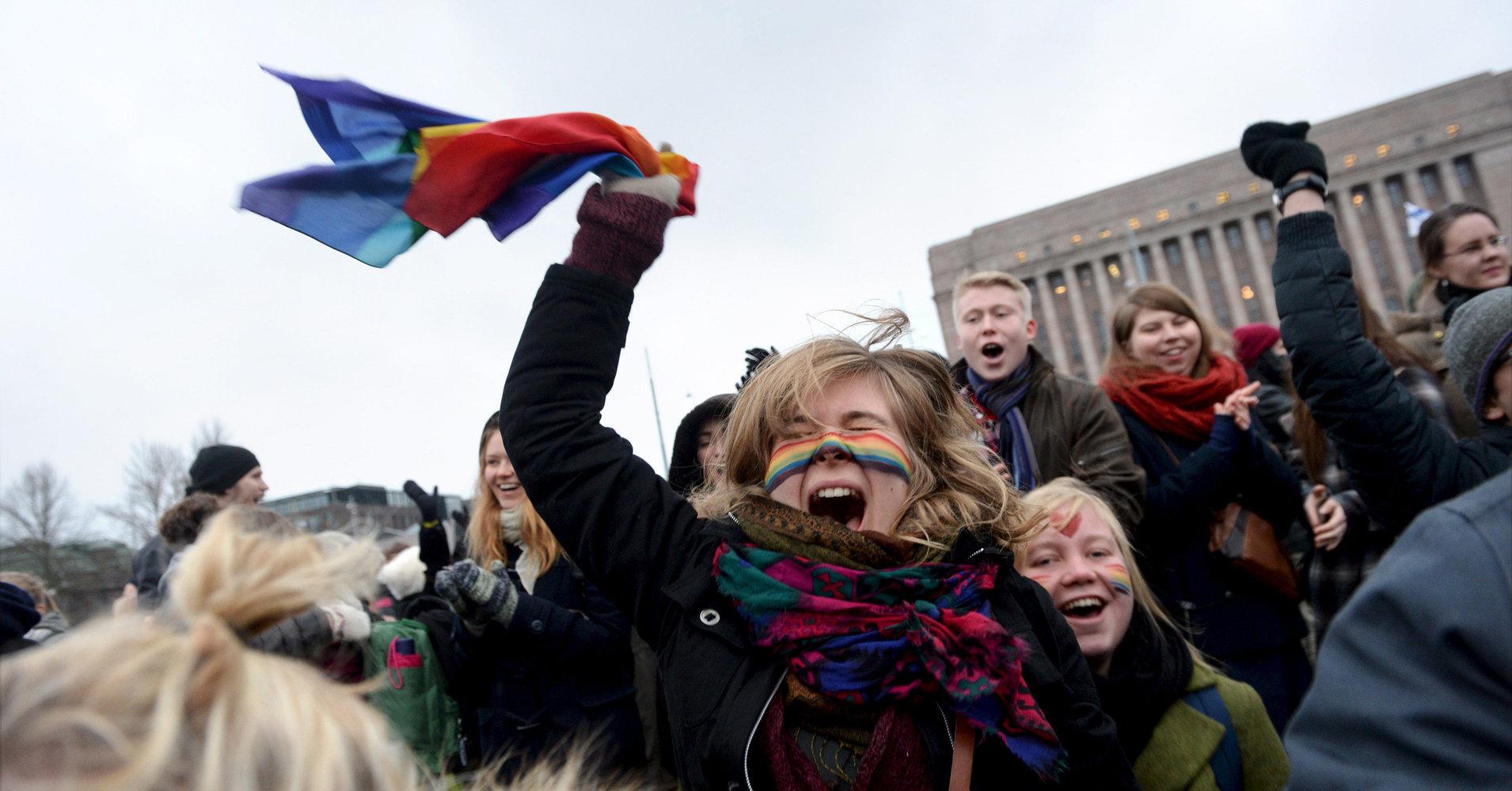 AŞKIN KAZANDIĞI, Eşcinsel Evliliklerin Yasal Olduğu 29 Ülke!