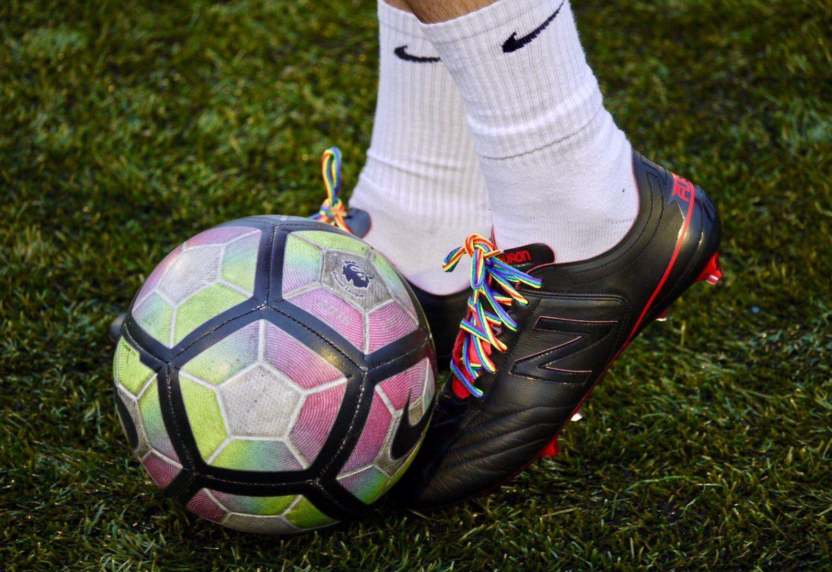 Uluslararası Ankete Göre; Futbolseverler, Açıkça Gay Oyuncuları Eskisinden Daha Çok Kabulleniyor