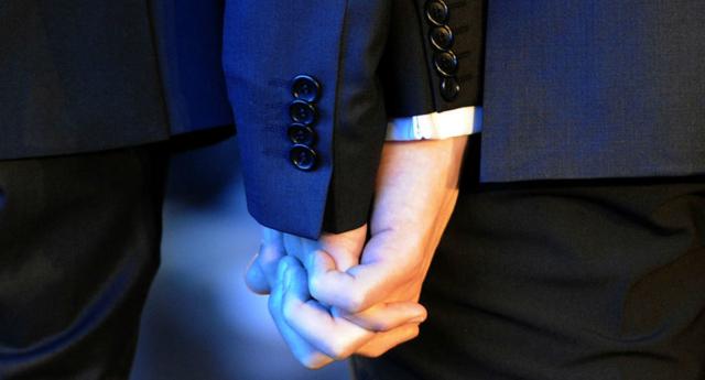 İrlandalı İki Heteroseksüel Erkek Evlenmeyi Planlıyor!