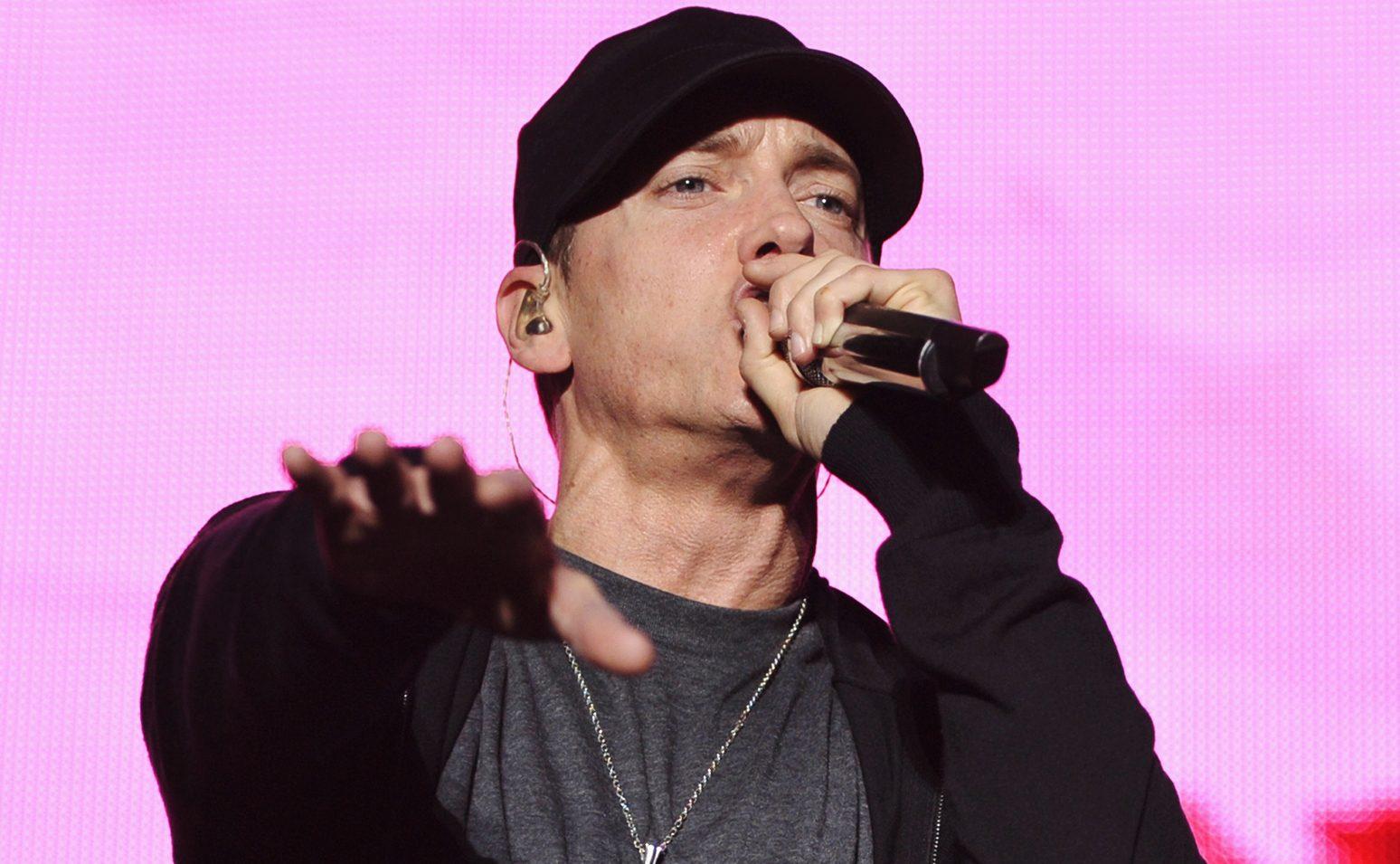 Eminem, Eşcinsel Tanışma Uygulaması Grindr'ı Kullandığını Söyledi!