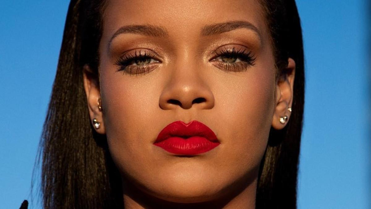 Rihanna, Transseksüelleri 'Reklam Aracı' Olarak Kullanan Markaları Eleştirdi!