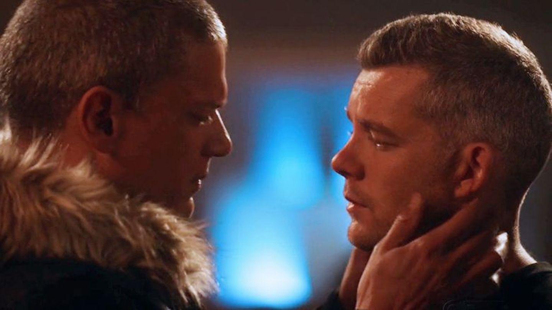 İzleyin: Wentworth Miller ve Russell Tovey, 'The Flash'te Öpüştüler!