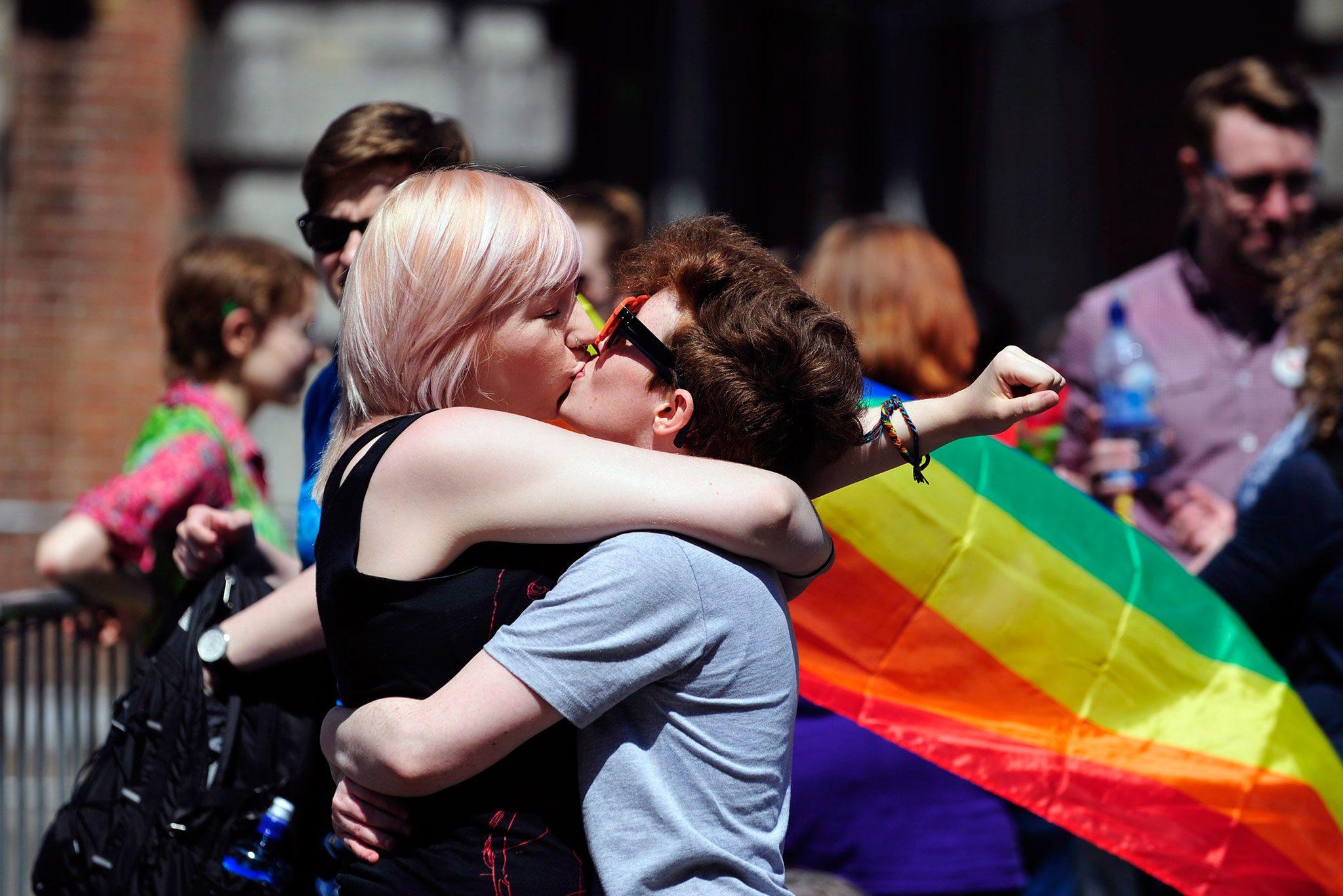 'Artık Eşcinsellere İkinci Sınıf Vatandaş Muamelesi Yapılamayacak!'