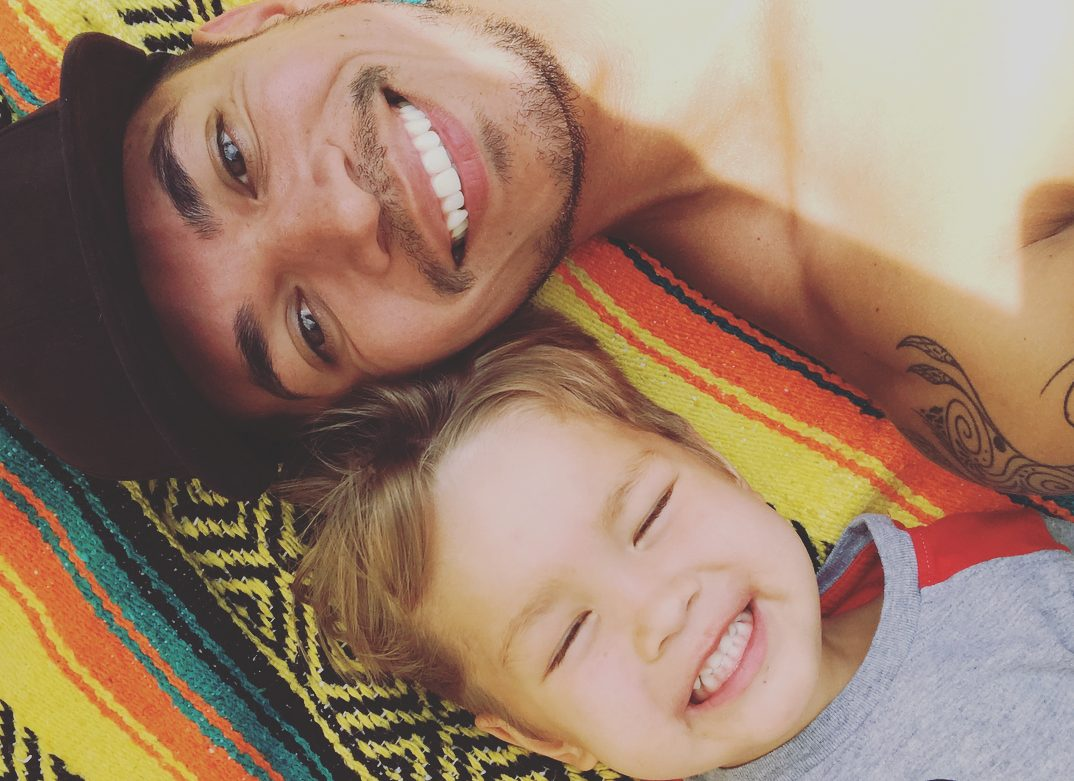 36 Yaşındaki Eşcinsel Büyükbaba: 'Torunum, en iyi arkadaşım'