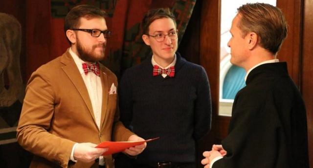 Rusya Şok Edici Bir Kararla, Eşcinsel Bir Evliliği Tanıdı!