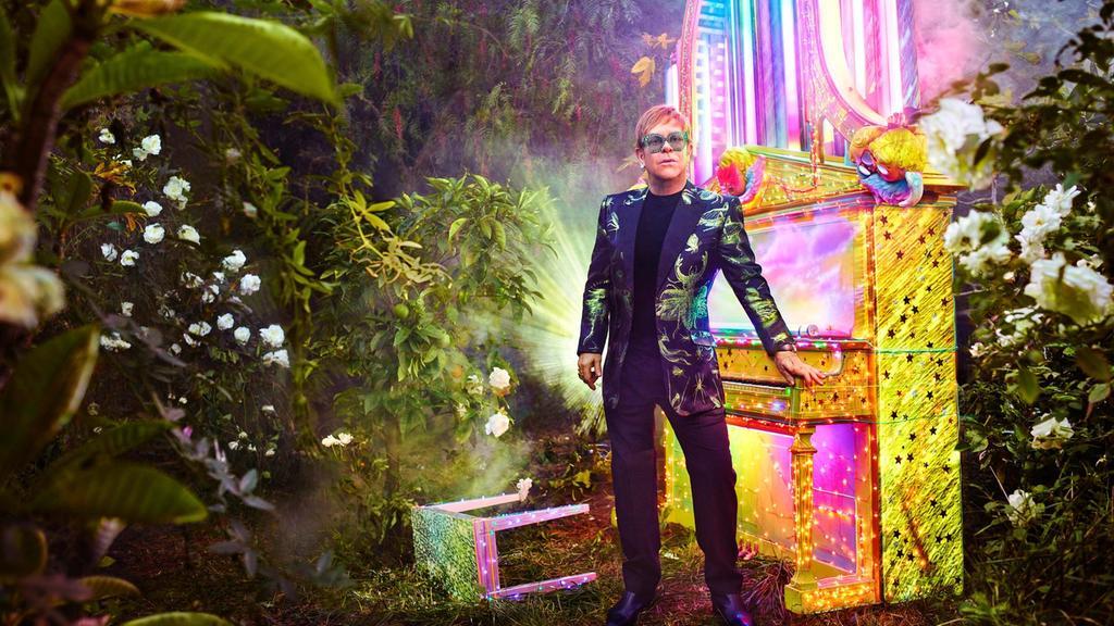 Gucci, Elton John'ın Son Turnesinin Kostümlerini Tasarlıyor!