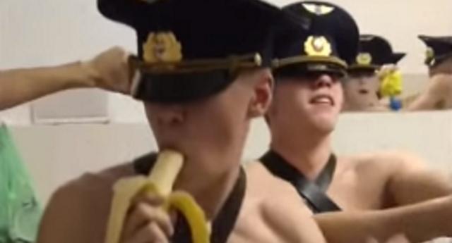 Rus Askeri Okul Öğrencilerinin, Yarı Çıplak Dans Videoları Viral Olunca Başları Belaya Girdi!