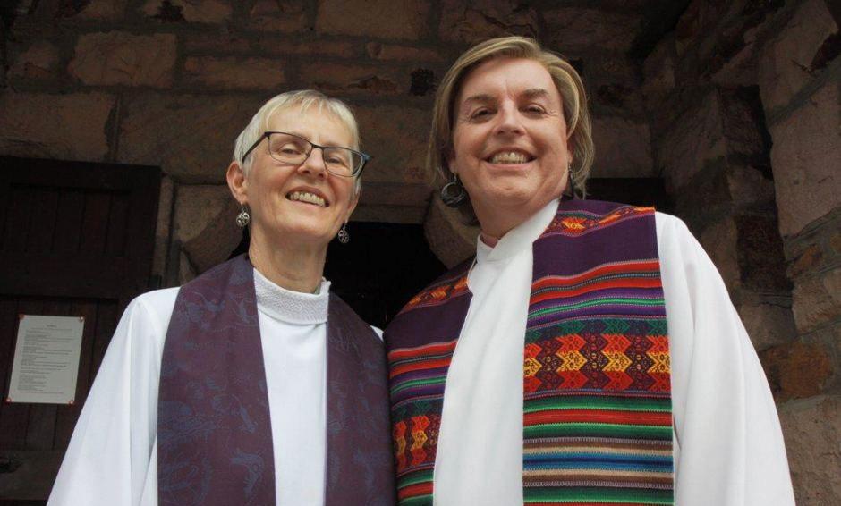 Karşınızda Avustralya'nın İlk Transseksüel Rahibi