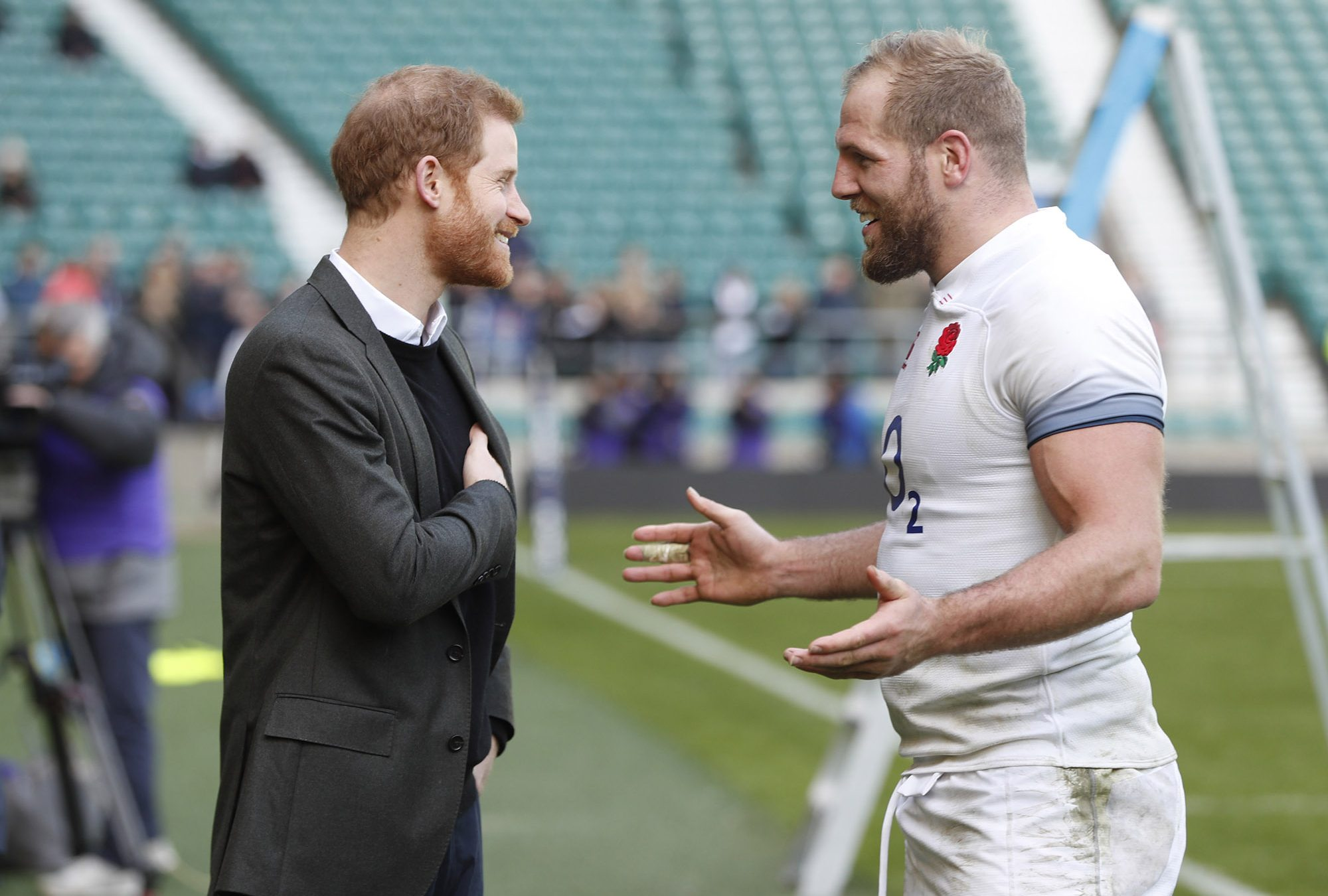 LONDON, UNITED KINGDOM – FEBRUARY 16: Prince Harry speaks to Engand rugby player James Haskell as he attends attends the England rugby team's open training session as they prepare for their next Natwest 6 Nations match, at Twickenham Stadium on February 16, 2018 in London, England. (Photo by Heathcliff O'Malley – WPA Pool/Getty Images)
