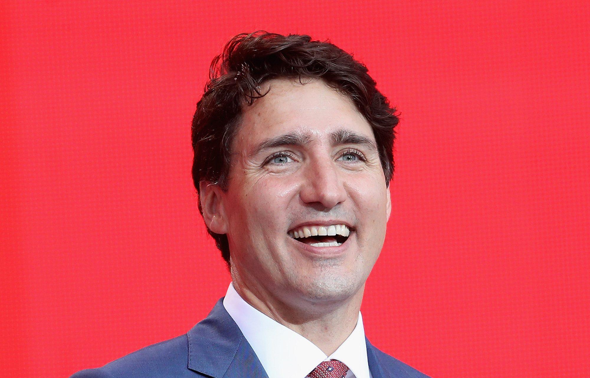 Kanada, Milli Marşını Cinsiyetsizleştirdi!